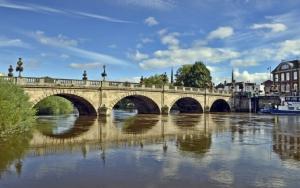 Каменный арочный мост