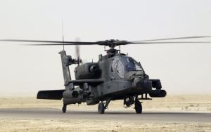 Черный военный вертолет