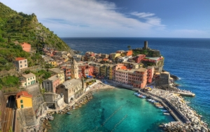 Город на побережье Италии