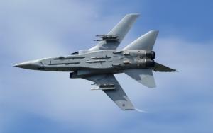 Маневр боевого самолета