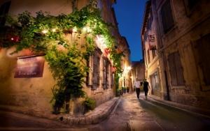 Улочка в Провансе