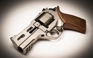 Крутой револьвер