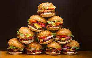 Много гамбургеров