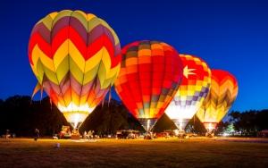 Воздушныe шары ночью