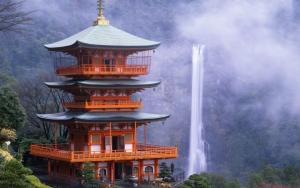 Водопад Нати Япония