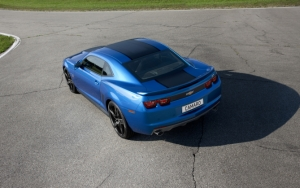 Синий Chevrolet Camaro