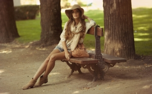 Девушка в парке