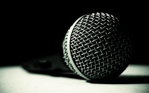 Черный микрофон