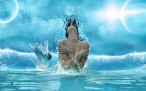 Русалка в воде