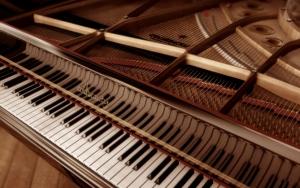 Красивый рояль