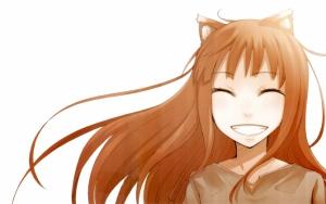Холо улыбается