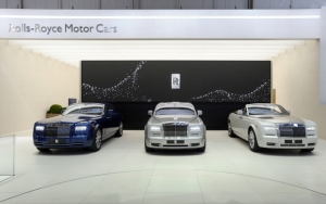 Автосалон Rolls-Royce Phantom