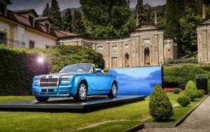 Голубой Rolls-Royce Phantom