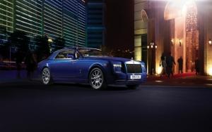 Rolls-Royce Phantom в городе