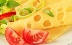 Сыр с помидорами