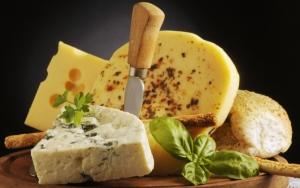 Поднос с сыром