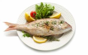 Рыба приготовленная целиком