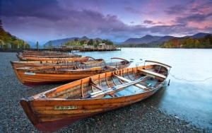 Лодки у реки