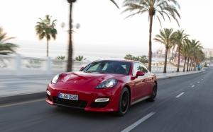 Красивый Porsche Panamera