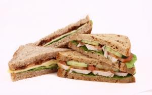 Сэндвич из хлеба со злаками