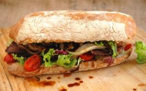 Сэндвич с поджаренным луком