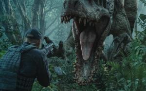Динозавр атакует