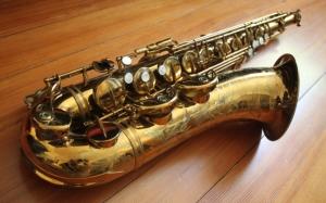 Красивый саксофон