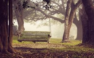 Подвесная скамейка