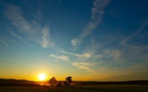 Закат в синем небе