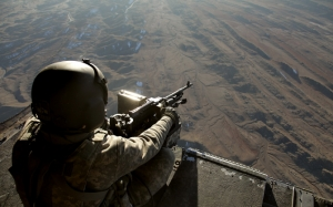 Солдат в вертолете
