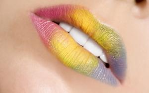 Разноцветные губы