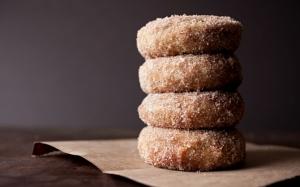Пончики с сахаром