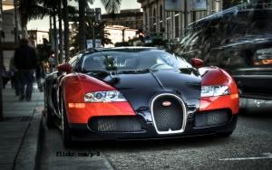 Bugatti Veyron в городе
