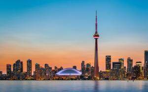 Вид с воды на Торонто