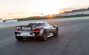 Porsche 918 Spyder на треке
