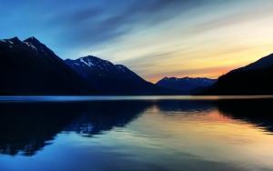 Озеро на закате