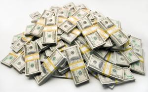Гора пачек долларов